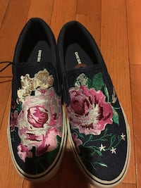 Pair of black floral slip on shoes!! Alexandria, 22306