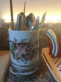 Porcelain Knife, fork and spoon holders in excellent condition. $10 Firm!  Rosemead, 91770