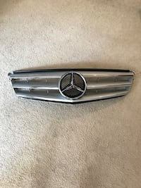 MERCEDES BENZ C300 C250 C CLASS W204 GRILL Los Angeles, 91356