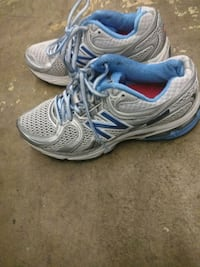 New Balance Sneakers - Size 6
