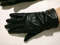 Coach real leather womens medium gloves Toronto