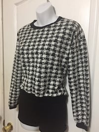 Black & White Checkered Sweater: Size medium Toronto, R0B