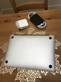 MacBook Air.  $550.  Ships from Quebec Toronto