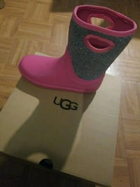 New in Box Kids ugg rain boots