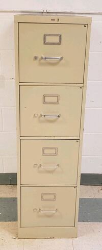 4 drawer filing cabinet  Hagerstown