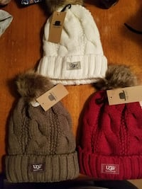 Knit hat with fur lining