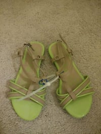 Girls gently used shoes size 13 Laurel