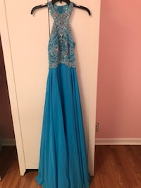 Women's dress size 6 paid 200 Concord, 94519