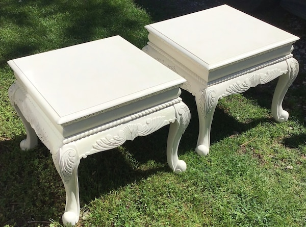 Elegant matching end tables/bedside tables  dca32499-f622-426e-bc03-cc1c0d5f56bf