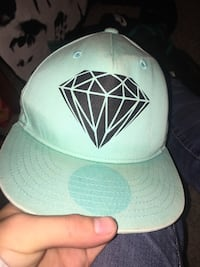 Diamond supply hat  1080 mi