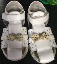 Leather toddler shoes