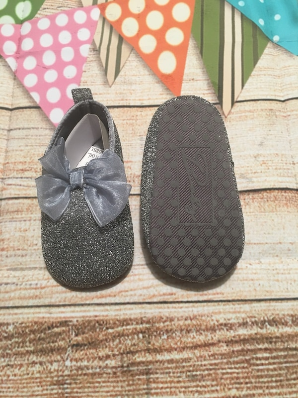 e74b18c55e73 Used Soft sole baby shoes-Gray for sale in Channelview - letgo