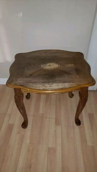 Very Pretty Etched Solid Wood Side Table Gretna, 70053
