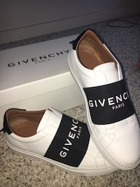 Designer givenchy shoes Airdrie, T4B 0E3