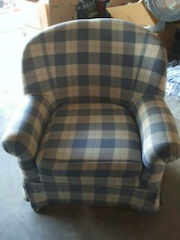 Sofa Chair - 3 pitures Riverside, 92507