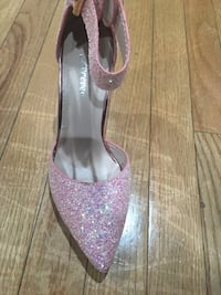women's unpaired pink and gray pointed toe pumps 35 km