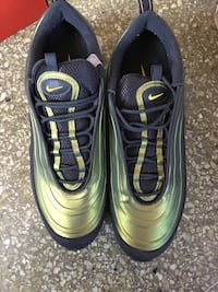 Nike air max size 11 snug fits a 10 or 10 1/2  Lancaster, 17603