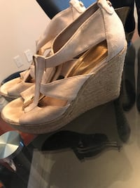 pair of gray leather peep toe platform pumps Calgary, T2S