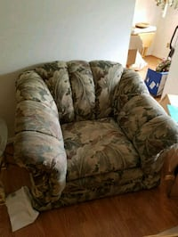 Comfy chair needs cleaning, but relaxing! Ellicott City, 21043