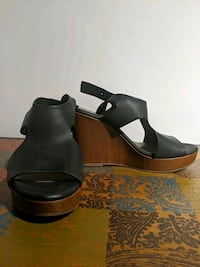 American Eagle Black Wedge Heel Windsor