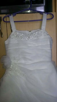 Communion dress. Robe de communion Montreal, H1G 2C8
