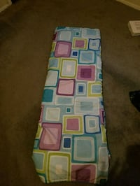 Full /twin size comforter and pillow cases  Gainesville, 32608