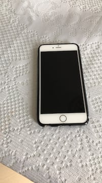 Gold iPhone 6 with charger and case 64 Gb Ottawa, K1C 7S2