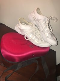 Nfinity Evolution cheerleading shoes size 7