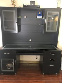Black wooden hutch desk Suitland, 20746