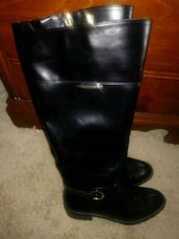 pair of black leather boots Frederick
