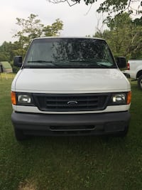 Ford - E-Series - 2006 Georgetown