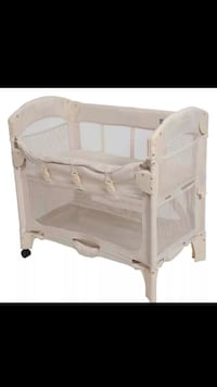 baby's white travel cot Laurel, 20708