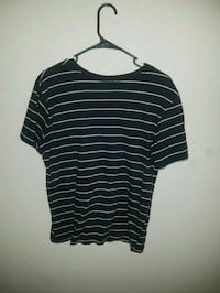 black and white striped crew-neck t-shirt Sacramento, 95833