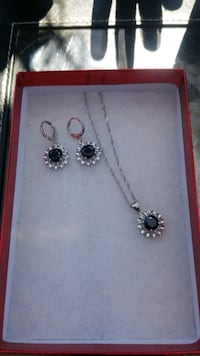 Necklace and earring set Bakersfield, 93307
