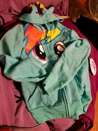 new poney,med7/8sweat jacket,cool pony hoodie Westfield, 01085
