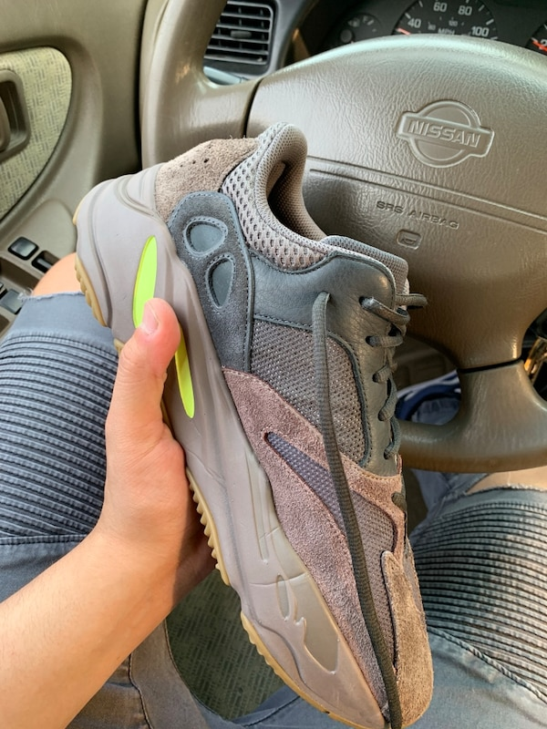 official photos 4cc0f 3bbfd yeezy boost 700 mauve