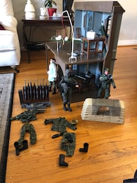 "12"" action figure soldiers with command post. Best offer accepted"