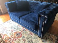 Blue loveseat/ couch  Harpers Ferry, 25425