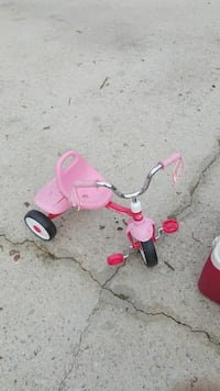 toddler's pink and red trike Loganville, 30052