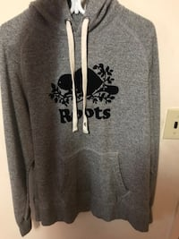 Roots hoodie size L Toronto, M3H 2S9