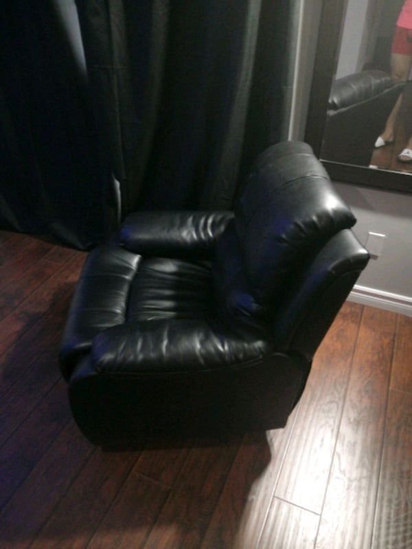 Black sofa recliner  0