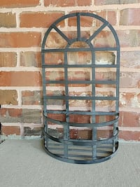 arched black metal wall rack Channahon, 60410