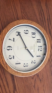 Battery Operated Clock  Drummond/North Elmsley, K7H
