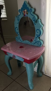 """"""" Frozen"""" vanity table, lights up and sings """"let it go""""  Tampa, 33625"""