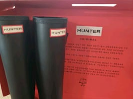 Hunter, Tall, Matte Black, rain boots, size 8!!
