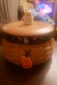 2004 Halloween basket, liner, protector, lid with 2 knobs and tie on  Chambersburg, 17202