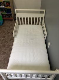 TODDLER size bed w/mattress Bakersfield, 93314