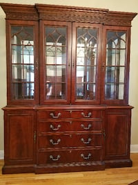 Heritage China Cabinet Mahogany Lighted New Orleans