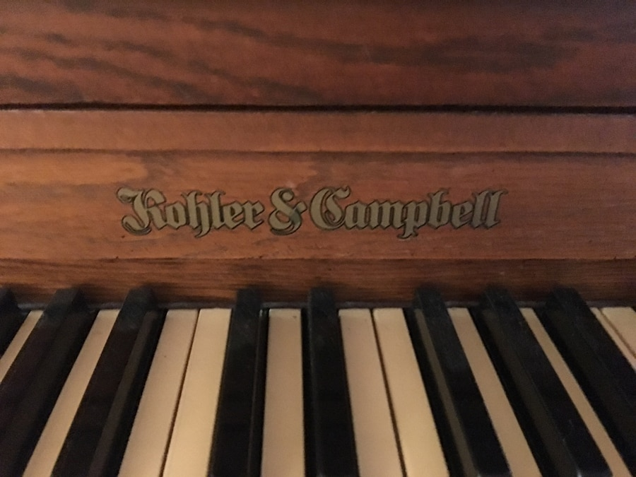 Photo Kohler & Campbell Standard Piano