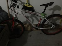 Mountain Bike, Specialized Chantilly, 20152